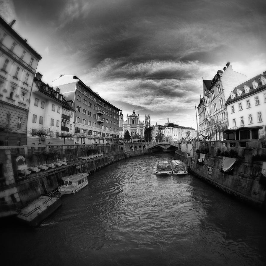 IMG_1136_b_cube_Ljubljana
