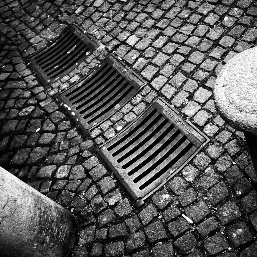 IMG_2631_a_cube_Ljubljana